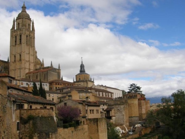 Day trip Avila and Segovia - private transportation - trains from/to Madrid every hour