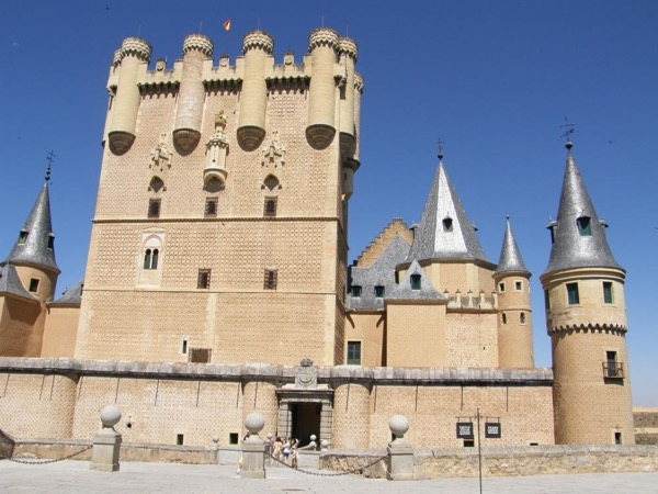 Day trip Avila and Segovia from Madrid