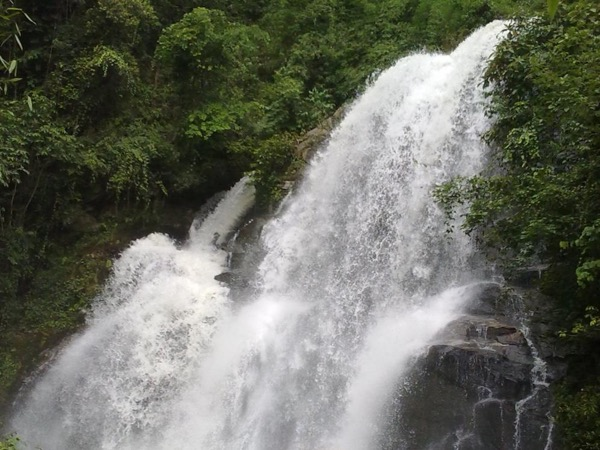 Soft Adventure hiking along picturesqe waterfall and visit Karen Hilltribe village at Doi Inthanon