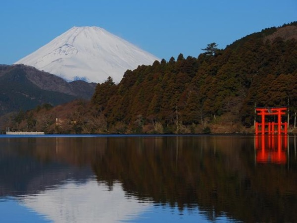 In-depth Hakone tour by private guide