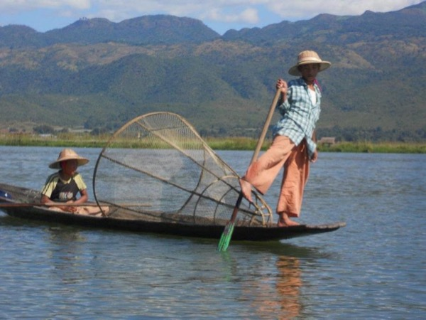 Unique inle lake experience, Bringing to touch nature life