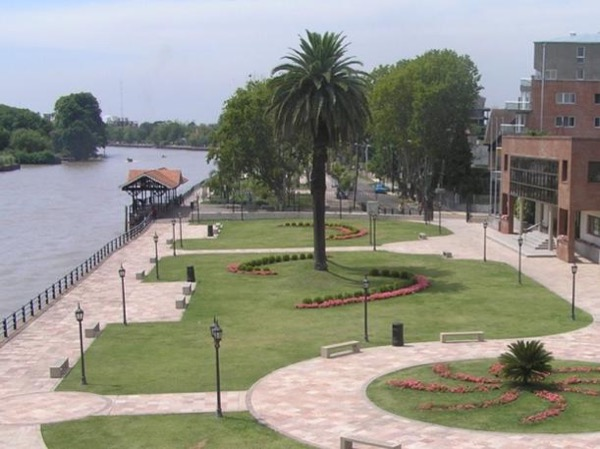 Tigre city + Delta boat tour + San Isidro city + River Plate shoreline (UP TO 4 PAXS with car included)