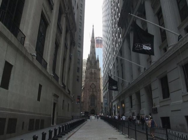 Private Tour of Wall Street, Downtown and National 9/11 Memorial