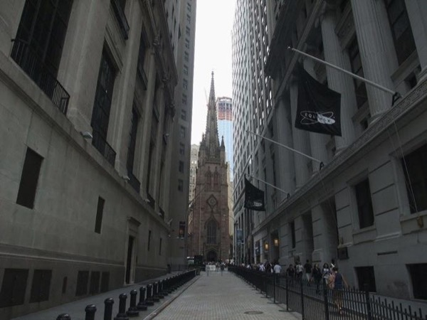 Private Tour with Financial District, National 9/11 Memorial, Brooklyn Bridge and DUMBO!