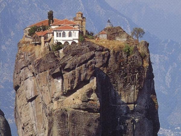 Delphi and Meteora private tour