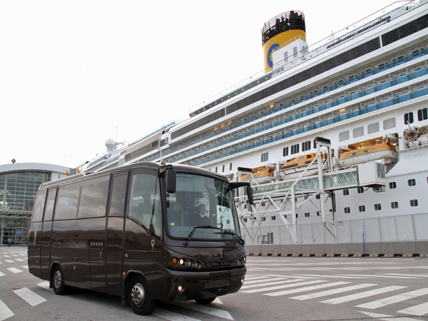 Private Tour by Minibus in Barcelona