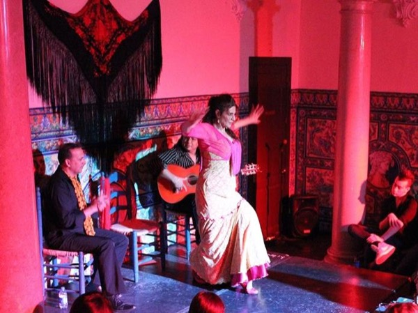 Flamenco and Tapas with a Private Guide