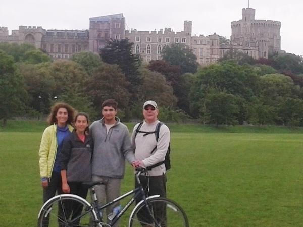 Windsor Castle Bike Ride + breakfast picnic