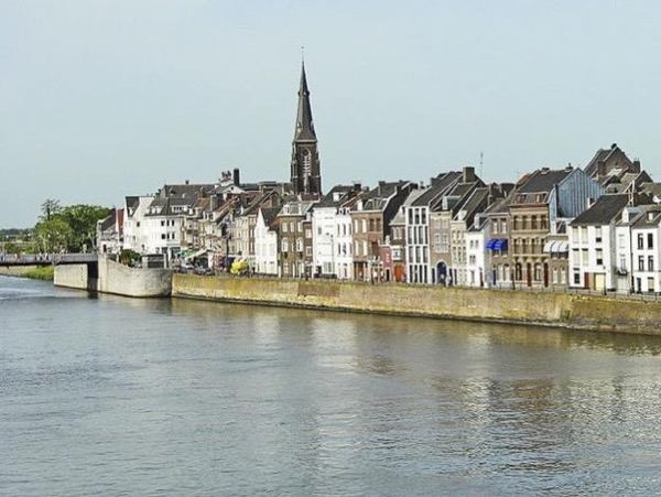 Visit Maastricht with your own private art historian, private guide