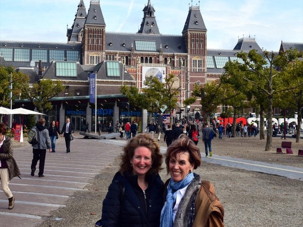 Combination tour Rembrandt House, Rijksmuseum, Van Gogh museum Amsterdam with your own private art historian, private guide