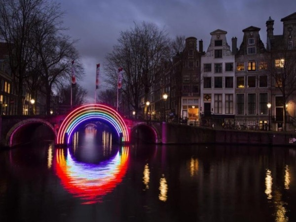 Amsterdam Light Festival Tour with your own private art historian, private guide Nov 29-Jan 20