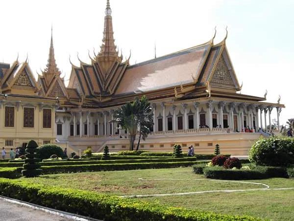 Phnom Penh Tour By Private Van