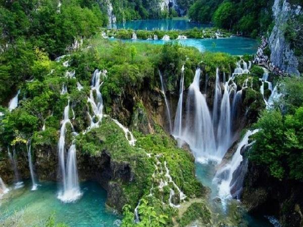 Plitvice lakes NP, Rastoke waterfall area and the cave Tour