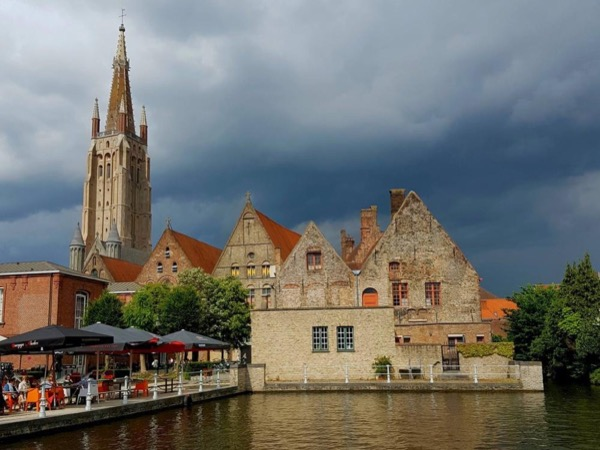 Bruges private tour from Zeebruges,Ghent or Brussels with private driver-guide