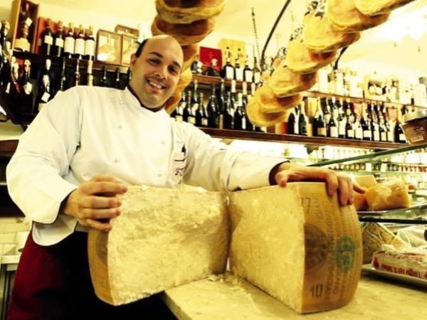 Emilia Romagna Gourmand: Parmigiano Reggiano, Traditional Balsamic Vinegar , Lambrusco Grasparossa Wine