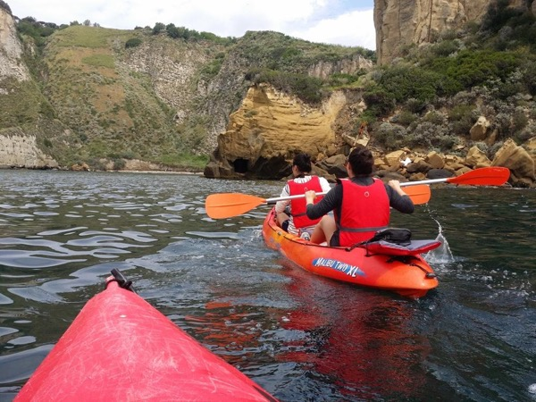 Kayak in the Bay of Naples and Pompeii with private guide