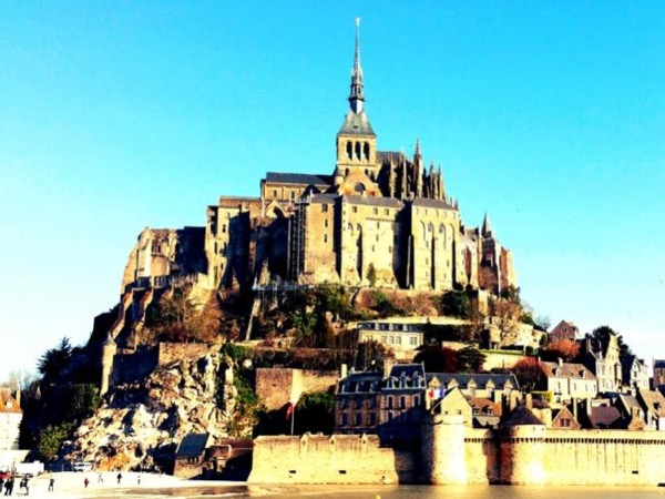 Multi-day private driving tour in France