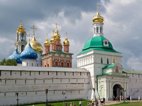 Trinity Lavra Private Tour by Car from Moscow