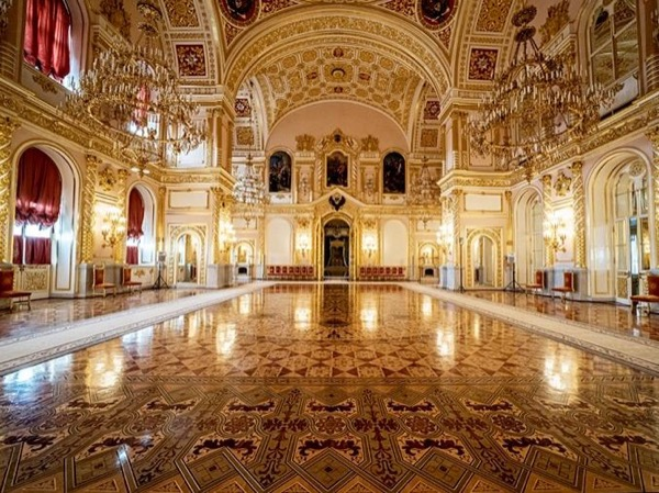 Royal Palaces in Moscow Kremlin Private Exclusive Tour