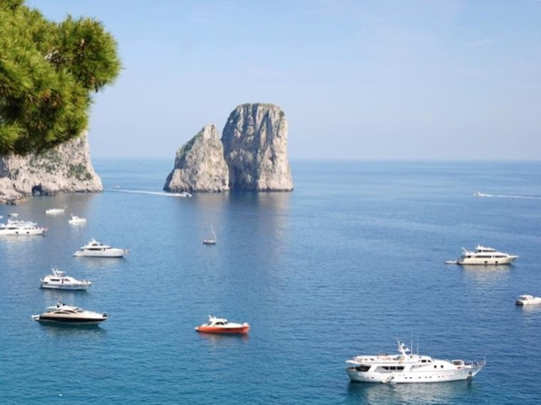 Half Day Private Boat Excursion in Capri