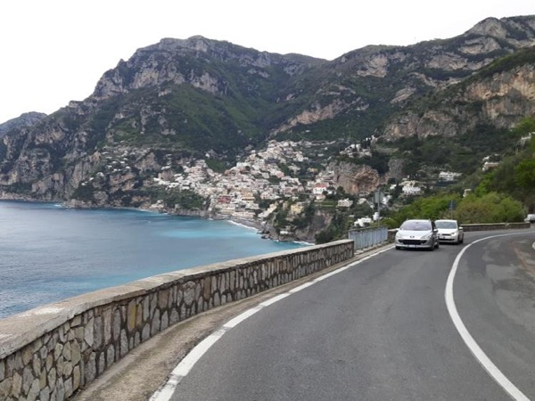 Transfer from Naples to the Amalfi Coast 4/7persons
