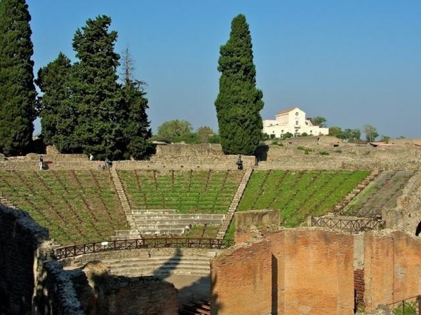 Pompeii full day walking tour with an archaeologist