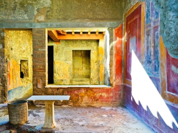 Pompeii walking tour in 2 hours with an archaeologist