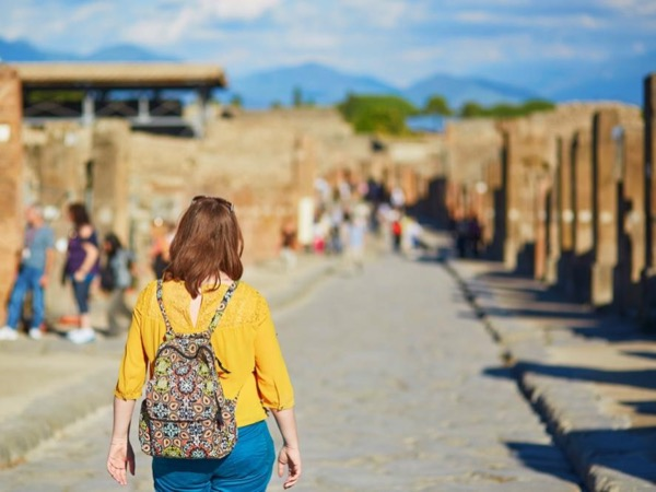 Pompeii in 3 hours tour with an archaeologist