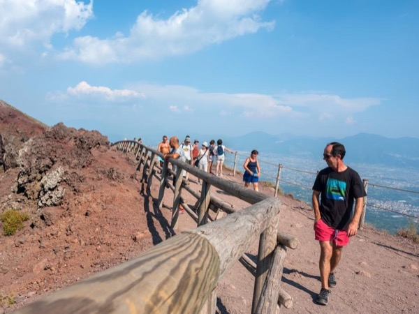 Pompeii and Mount Vesuvius full day tour from Rome with an archaeologist