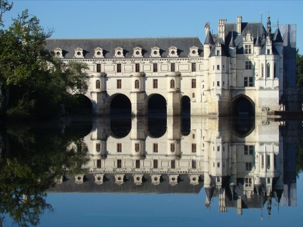Loire Valley Castles: Sightseeing tour with private driver-guide