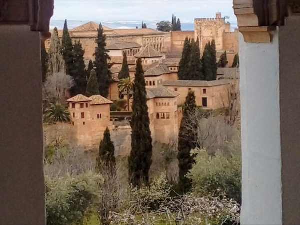 Experience Alhambra & Granada 4 hours Walking Tour!