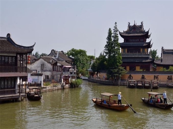 Shanghai ancient watertown-zhujiajiao & city highlights