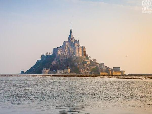 Mont Saint Michel the 8th marvel of the world with your private guide