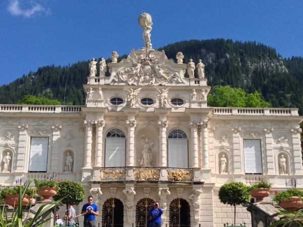 Private Tour Zugspitz Mountain and Linderhof Palace