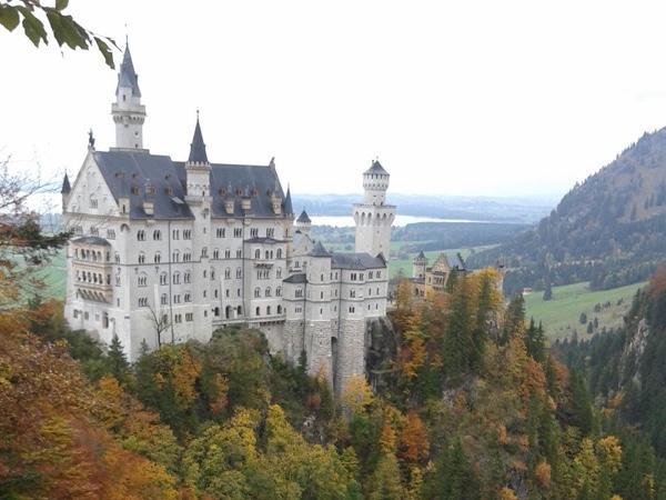 Neuschwanstein Castle Day Tour (Private)