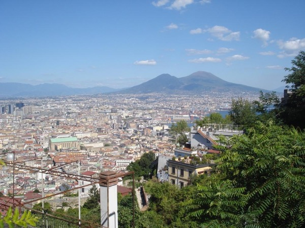 Street food and popular culture in Naples