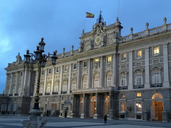 Prado and Royal Palace private tour