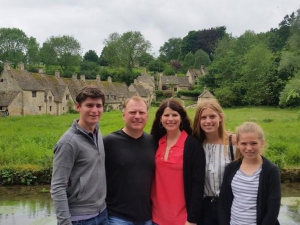 Cotswolds Private Tour: the Outstanding Beauty