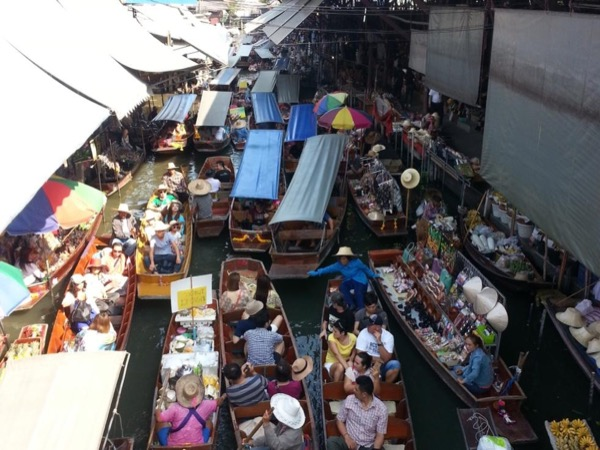 Damnoen Saduek Floating Market and Maklong Railway Market Tour