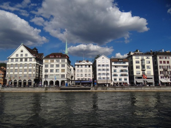 Zurich City Sightseeing Walking Tour incl. Boat Trip