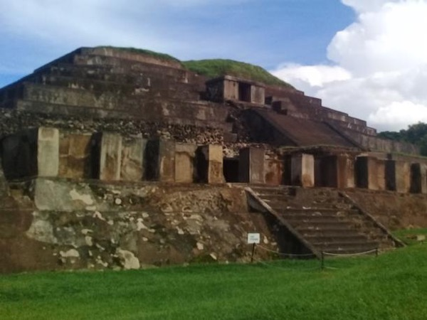 El Salvador Private Archaeologial Tour Mayan Ruins of Joya de Ceren, Tazumal and Casa Blanca Plus Coatepeque Lake