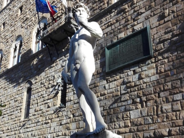 Florence celebrates the beauty of David