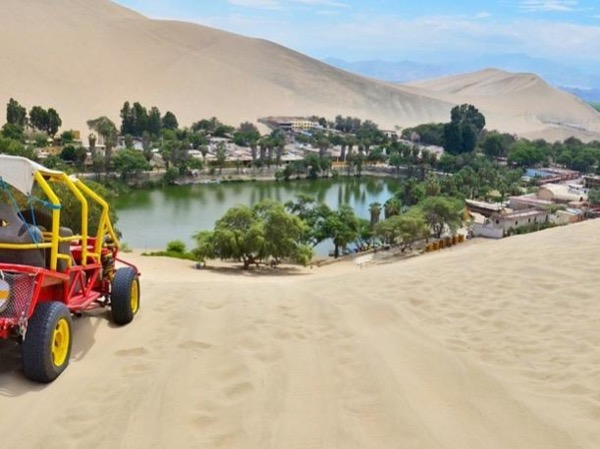 Dune buggy ride & sandboarding in Huacachina oasis