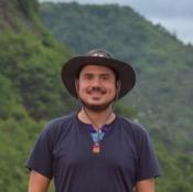 Private tour guide Mario