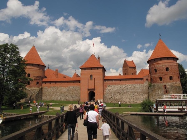 Trakai tour- visit medieval capital of Lithuania EN/NO