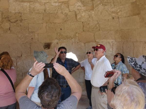 Private tour guide Elias