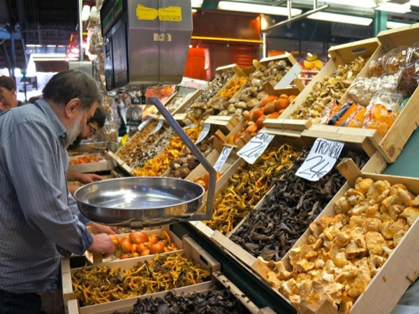 4 Hour Foodies private tour Barcelona