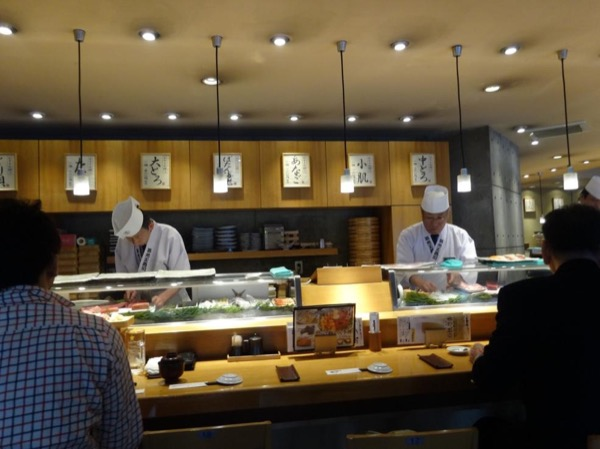 Strolling Tsukiji Fish Market & Sushi-making - Private Tour