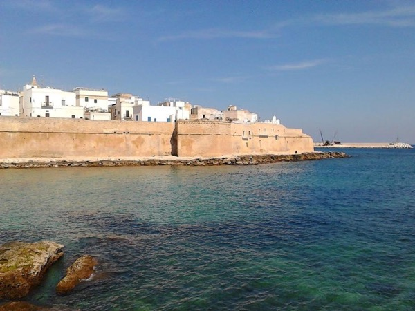 Walking tour in the wonderful Monopoli