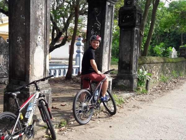 A Fascinating Riding to Meet Artisans of Hue
